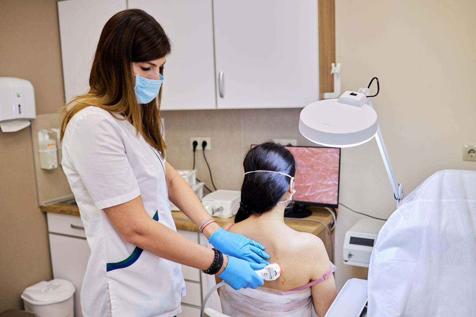 Дерматоскопія шкірних утворень в Рішон